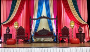 19 Colourful Mehndi Stage