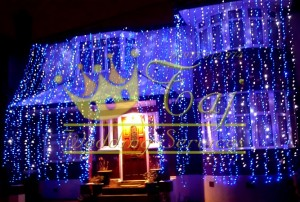 Blue-White-Wedding-House-Lights
